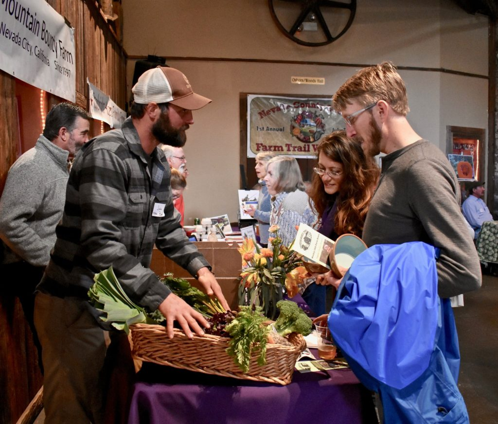 Farmers marketing to customers, Nevada City, Soup Night