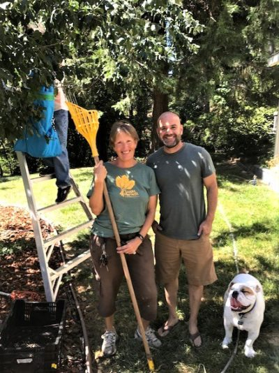 Carolyn Mackinlay and William Edwards (homeowner) gleaning 2018