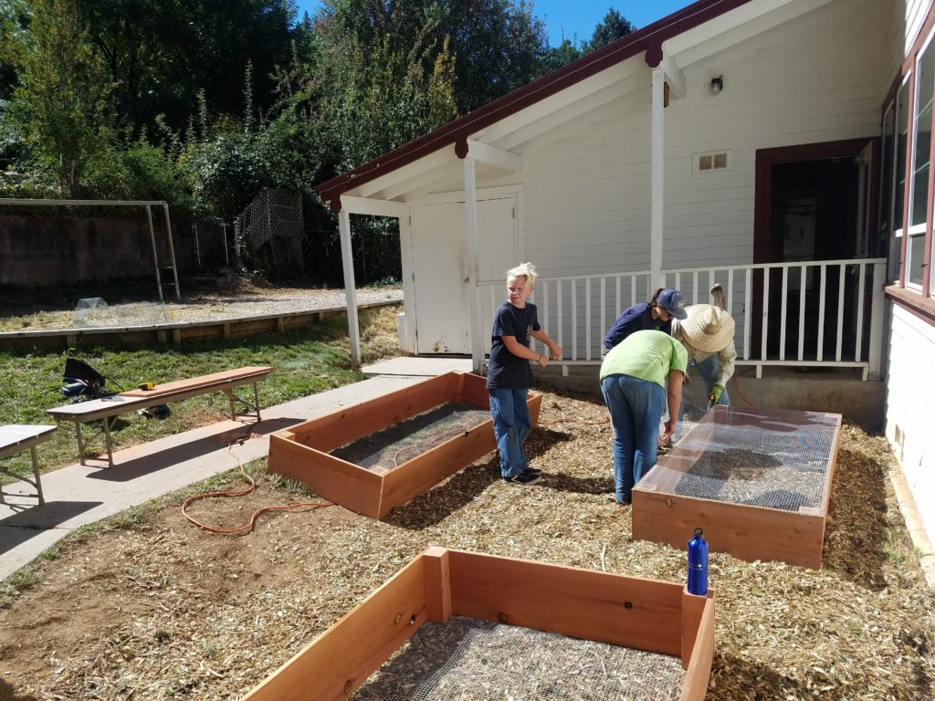 building garden beds at Washington school - photo by Larry Diminyatz